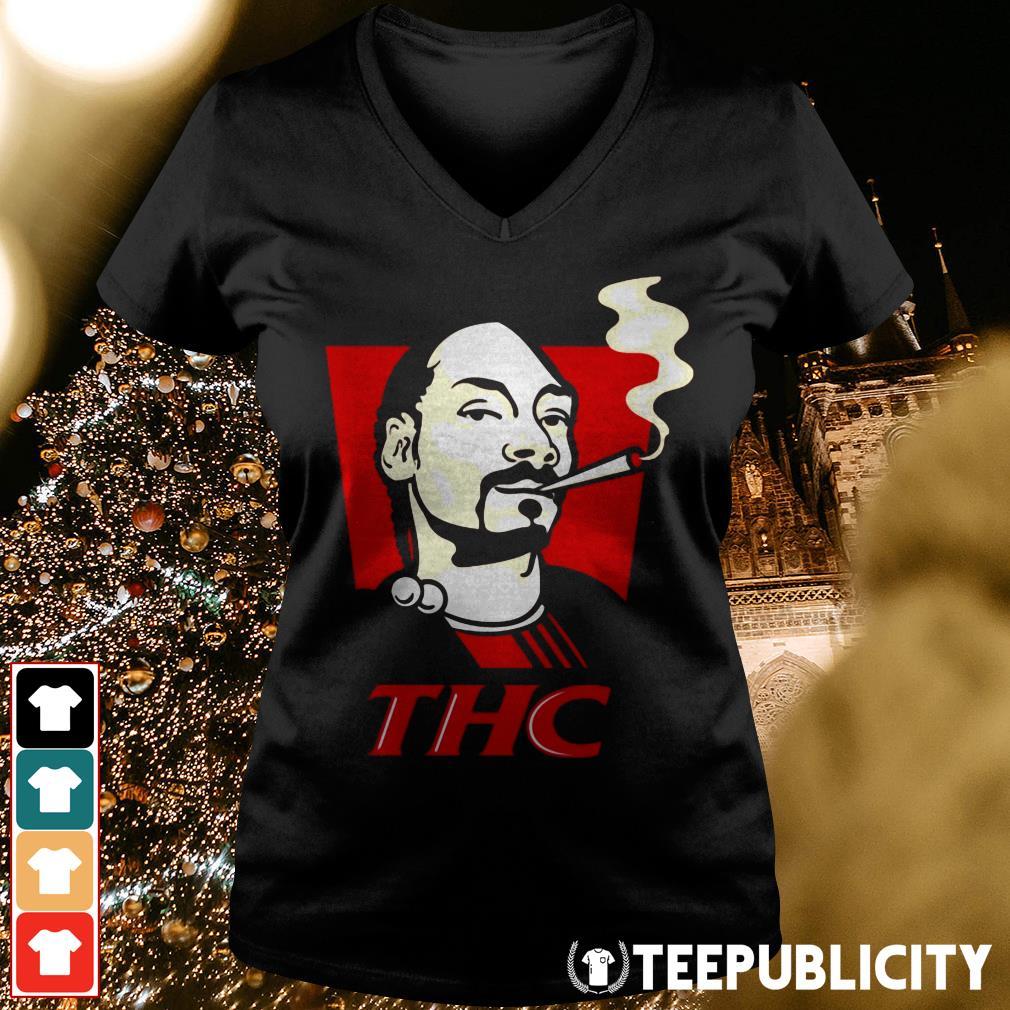 Snoop Dog smokes THC V-neck T-shirt