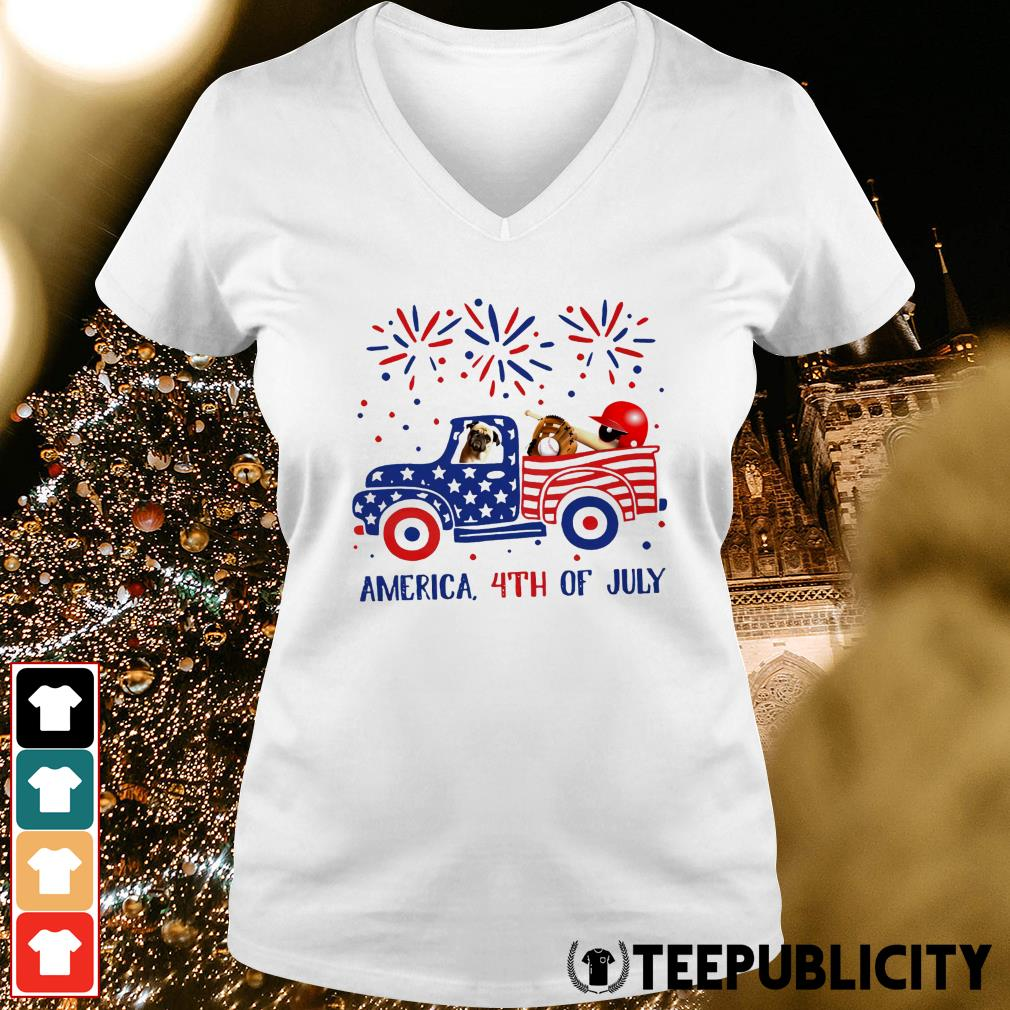 Pug ride truck America 4th of July V-neck T-shirt
