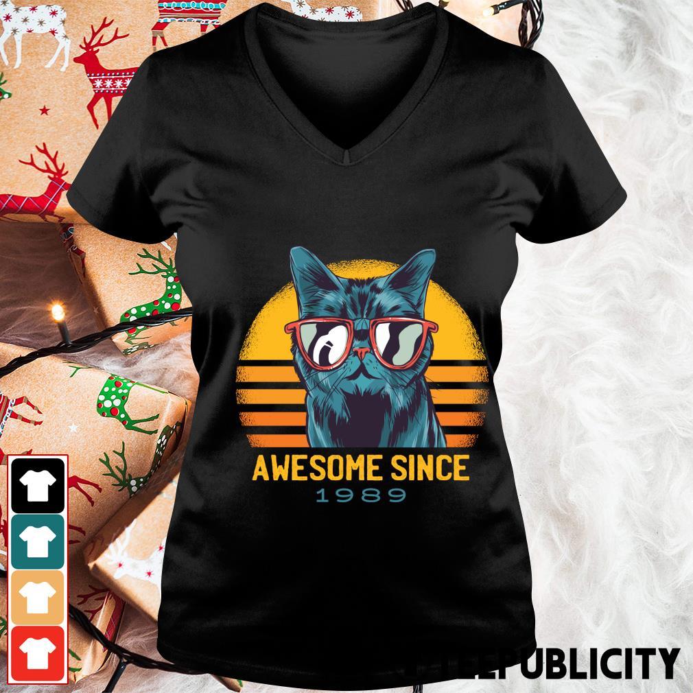 Cat awesome since 1989 vintage s v-neck-t-shirt